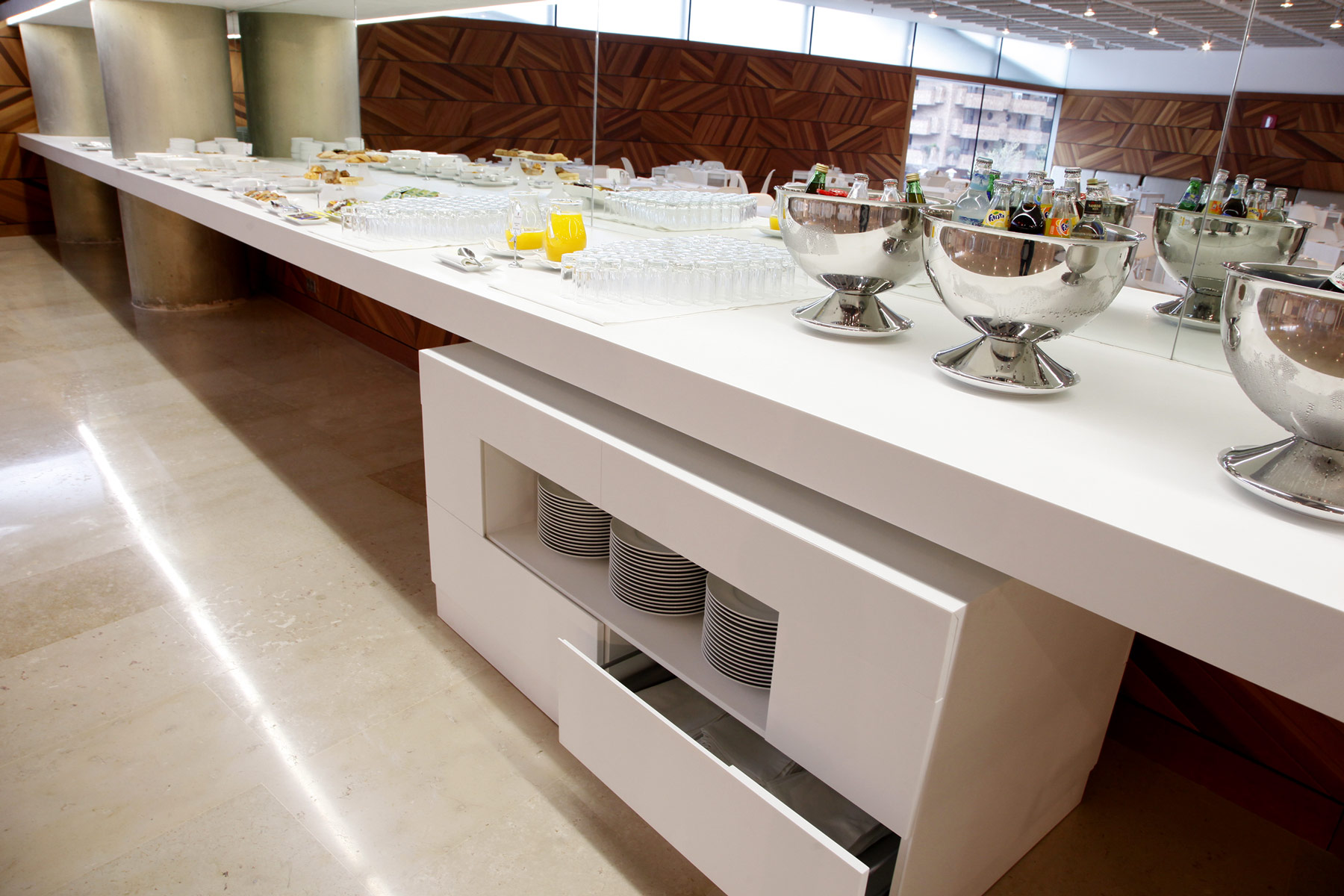 Proyectos d 39 zinzel encimeras de cocina mobiliario para for Proyecto cocina restaurante